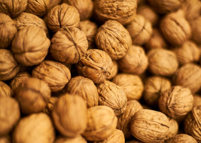 Right Way To Eat Walnuts